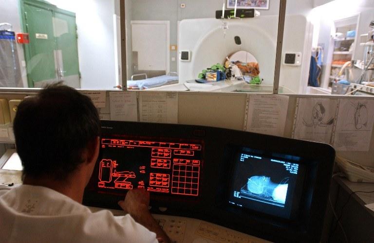 Nowoczesna diagnostyka medyczna pozwala kontaktować się z osobami w stanie wegetatywnym /AFP