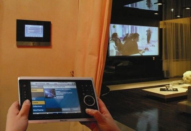 Nowoczesne domy naszpikowane są elektroniką i gadżetami (na zdjęciu dom hi-tech w polskim wydaniu) /materiały prasowe