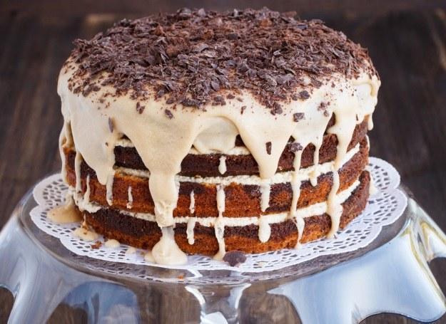 Noworoczny tort z bakaliami /materiały prasowe
