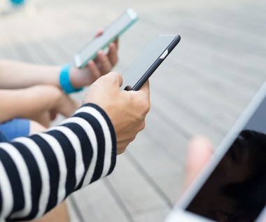 Nowotwory, bezpłodność i bezsenność - jak szkodliwe są smartfony?