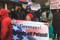 Nowy Jork: Protest Polaków przeciwko atakom na polską demokrację