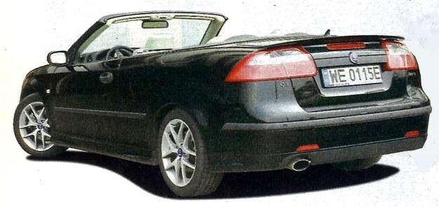 Nowy kabriolet zesztywniał w porównaniu z poprzednikiem i to aż o 250%. Ale nasze wertepy i tak dają mu się we znaki. /Motor