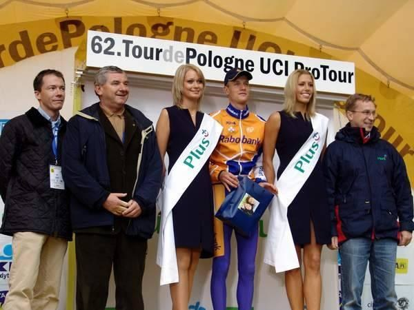 Nowy lider Tour de Pologne 2005 na podium /INTERIA.PL