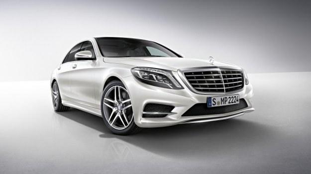 Nowy Mercedes klasy S (W222) z pakietem ospojlerowania AMG /Mercedes