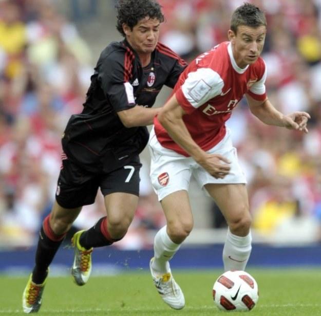 Nowy piłkarz Arsenalu Londyn Laurent Koscielny (z prawej) /AFP