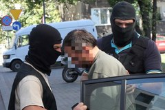 Nożownik z Grodzkiej w drodze do prokuratury