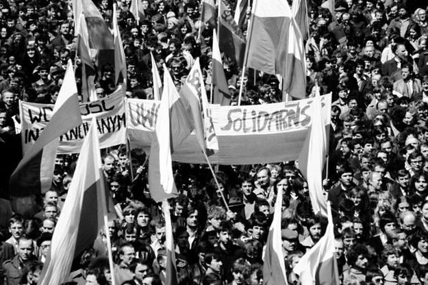 """NSZZ """"Solidarność"""" zagroził strajkiem generalnym /AFP"""