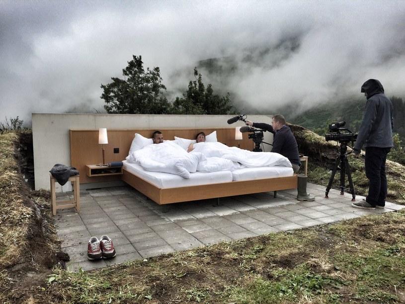 null stern zerogwiazdkowy hotel bez dachu nad g ow. Black Bedroom Furniture Sets. Home Design Ideas