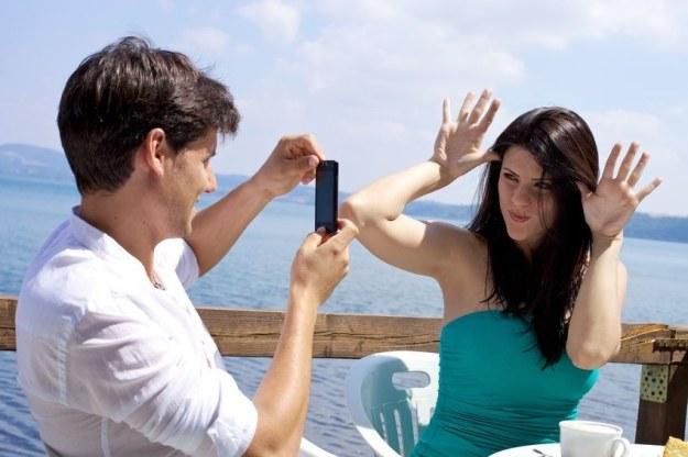 O czym warto pamiętać kupując nowego smartfona /123RF/PICSEL