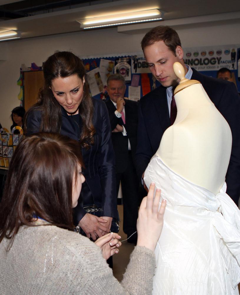 O tym, jak będzie wyglądąła suknia ślubna Kate, dyskutuje cały świat mody  /Getty Images/Flash Press Media