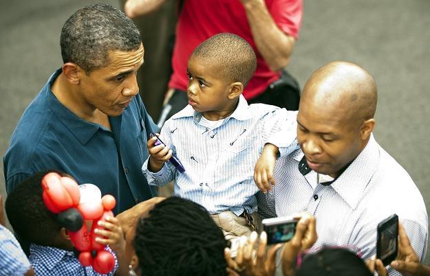 Obama świętował w towarzystwie żołnierzy i ich rodzin /AFP