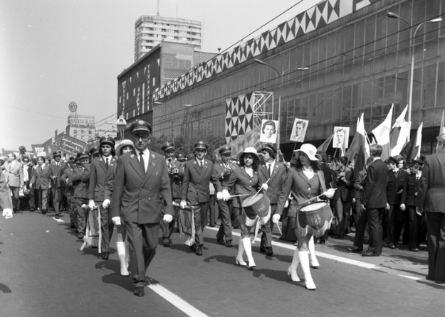 Obchody 1 Maja w Warszawie w 1974 roku /Z archiwum Narodowego Archiwum Cyfrowego