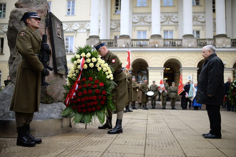Obchody na dziedzińcu Mazowieckiego Urzędu Wojewódzkiego w Warszawie /Jacek Turczyk /PAP