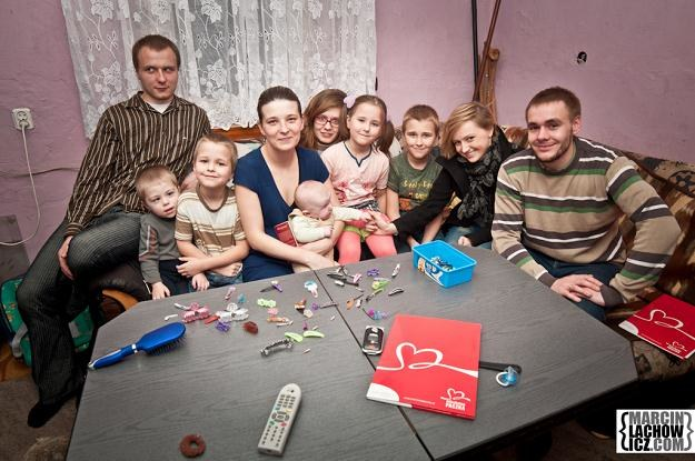 Obdarowana rodzina wielodzietna/fot. Marcin Lachowicz /materiały prasowe