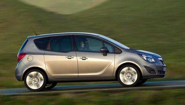 Obecnie bronią Opla w segmencie minivanów jest Meriva /