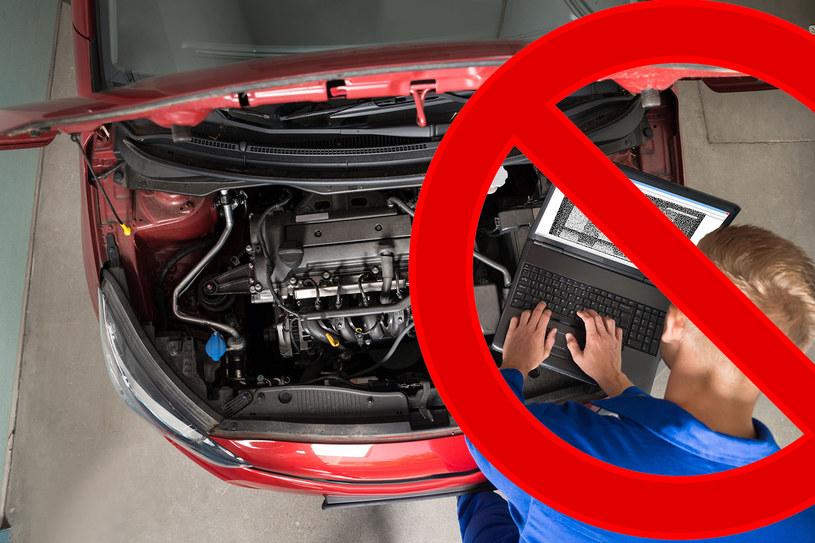 """Obecnie dla wielu handlarzy w Polsce zaniżanie przebiegu to """"standardowy"""" element przygotowania auta do sprzedaży /123/RF PICSEL"""