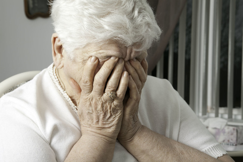 Objawy depresji czasem trudno rozpoznać /©123RF/PICSEL