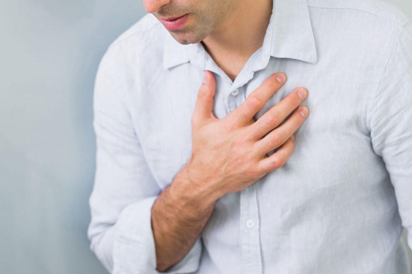Objawy nerwicy serca mogą przypominać zawał /123RF/PICSEL