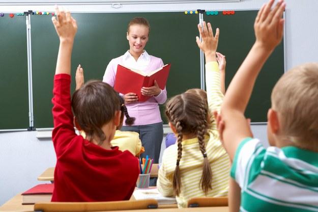 Obowiązkiem szkolnym objęte są znowu wyłącznie siedmiolatki /123/RF PICSEL
