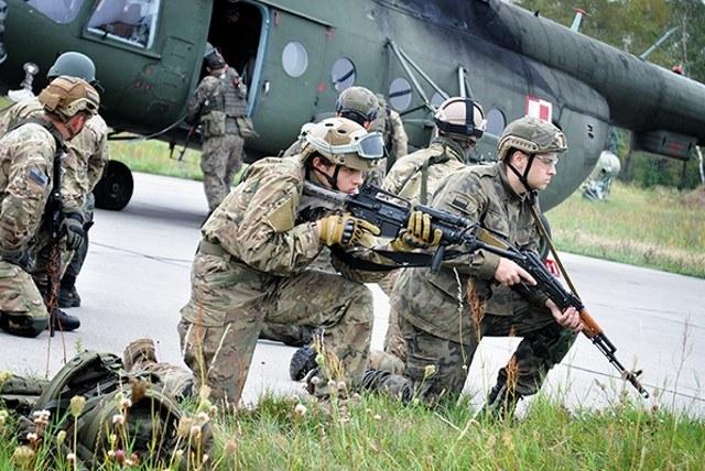 Obóz szkoleniowy to prawdziwa szkoła życia /Polska Zbrojna