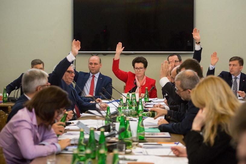 Obrady sejmowej Komisji Nadzwyczajnej do rozpatrzenia projektów ustaw z zakresu prawa wyborczego /Mateusz Wlodarczyk /Agencja FORUM