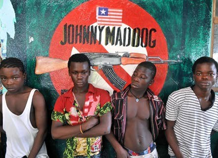 "Obsada filmu ""Johnny Mad Dog"", 29 listopada 2008 /AFP"