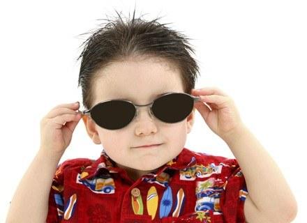Obserwując zachowania dziecka, można wywnioskować, co mu doskwiera /ThetaXstock