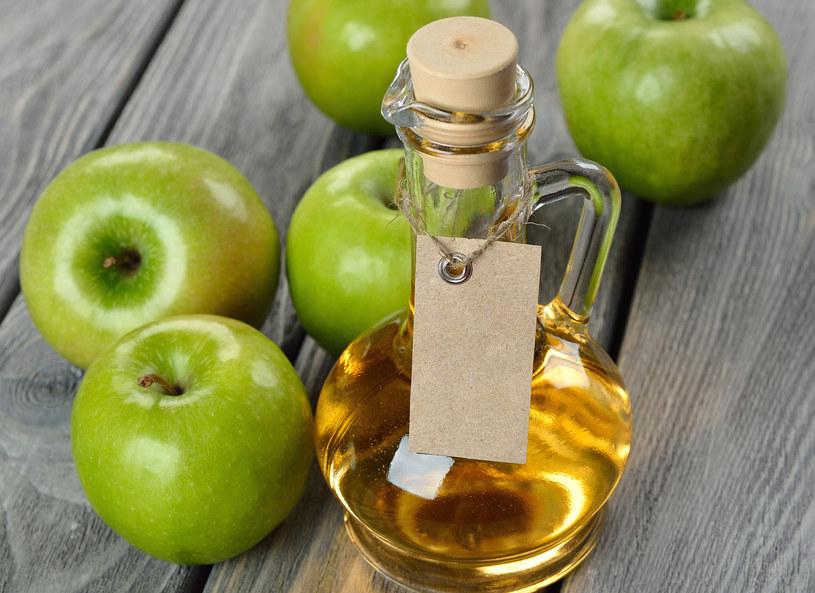 Ocet jabłkowy /123/RF PICSEL /©123RF/PICSEL