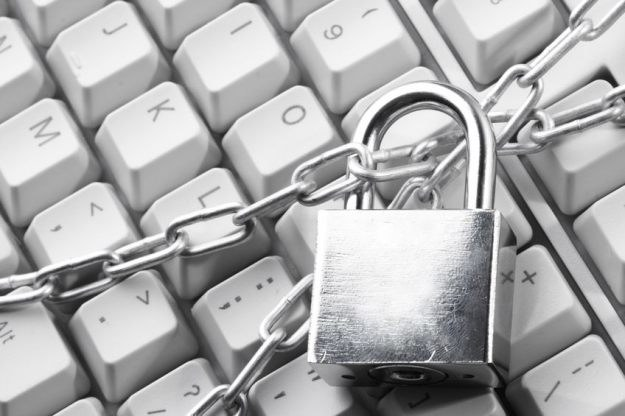 Ochrona danych nie jest trudna. Wystarczy stosować się do kilku zasad /©123RF/PICSEL