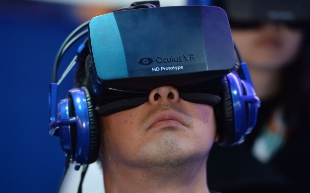 Oculus Rift - prezentacja sprzętu na targach CES 2014 /AFP