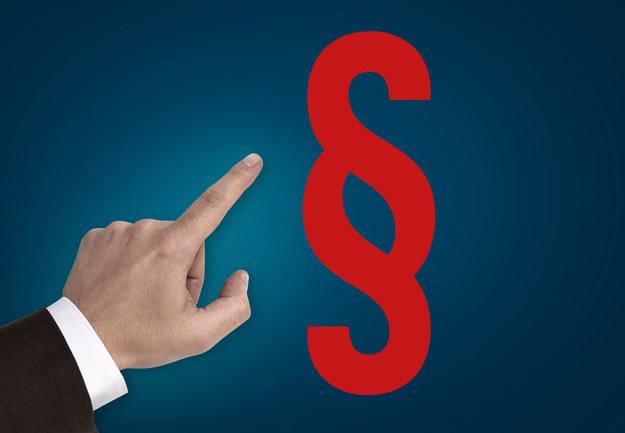 Od 1 września pracodawca zatrudniający na etat musi podpisać umowę z pracownikiem przed podjęciem przez niego pracy /Dostarczył infoWire.pl