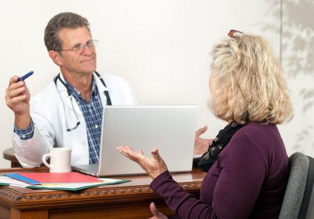 Od 2018 roku zwolnienia lekarskie tylko w formie elektronicznej /123RF/PICSEL