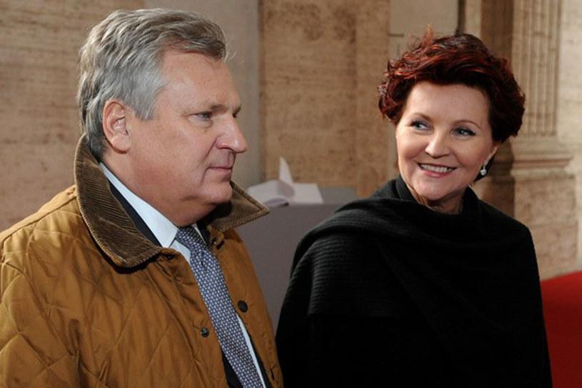 Od czasu zrobienia tego zdjęcia - w kwietniu 2011 roku - para prezydencka jest już o kilkadziesiąt kilo leżejsza /Wojciech Strozyk / Reporter /East News