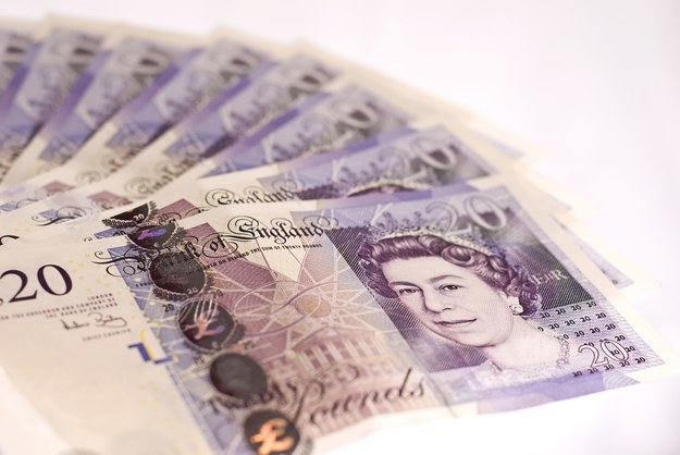 Od dziś w Wielkiej Brytanii wszedł w życie przepis o tzw. płacy godziwej /123RF/PICSEL