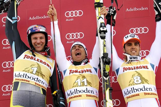 Od lewej:Aksel Lund Svindal, Cyprien Richard i trzeci na mecie Thomas Fanara /AFP
