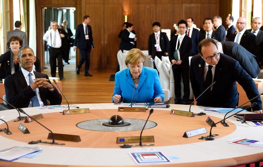 Od lewej: Barack Obama, Angela Merkel i Francois Hollande /ALAIN JOCARD / POOL /PAP/EPA