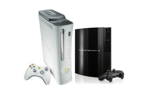 Od lewej konsole Xbox 360 i PlayStation 3 /Informacja prasowa