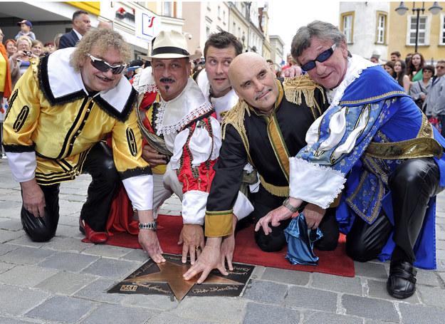 Od lewej: Piotr Kuźniak, Sławomir Kowalewski, Jacek Malanowski, Marian Lichtman, Ryszard Poznakowski /Tina