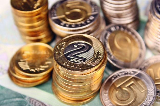 Od Nowego Roku wszyscy zatrudnieni na podstawie umów-zleceń będą mieli zagwarantowaną minimalną stawkę wynagrodzenia w wysokości 13 zł za godzinę /123RF/PICSEL