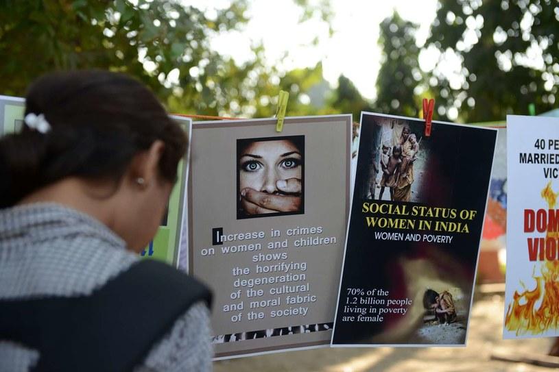 Od roku w Indiach trwa debata na temat przemocy seksualnej, wywołana przez brutalny gwałt zbiorowy w Delhi. /AFP