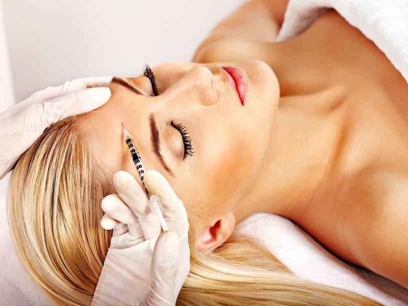 Od wielu lat botoks jest najpopularniejszym zabiegiem medycyny estetycznej /123RF/PICSEL