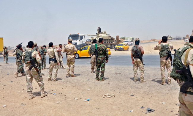 Od wtorku na północy Iraku trwa ofensywa Islamskiego Państwa Iraku i Lewantu /KHALIL AL-A'NEI /PAP/EPA