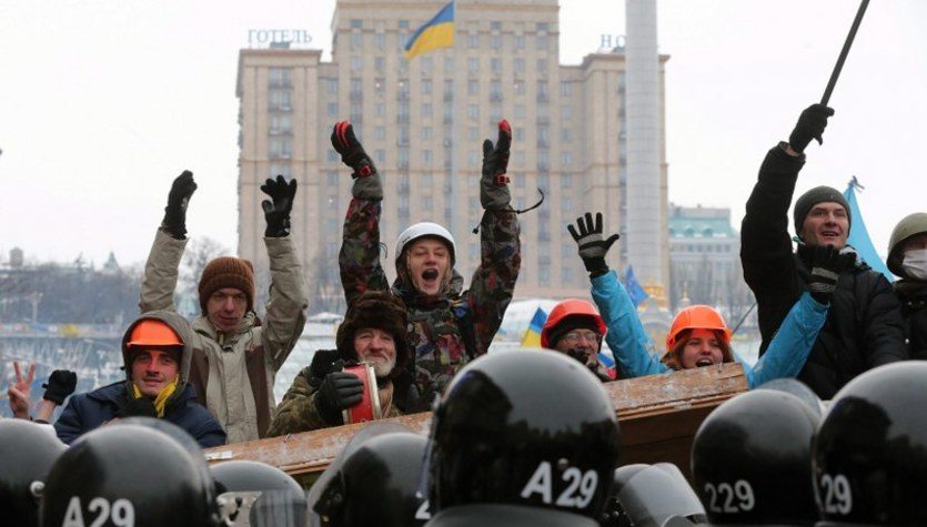 Oddziały milicji wycofane z miejsc protestów w Kijowie