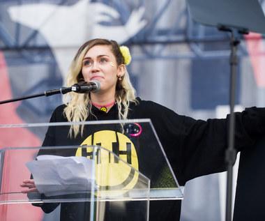 """Odmieniona Miley Cyrus w teledysku """"Malibu"""""""