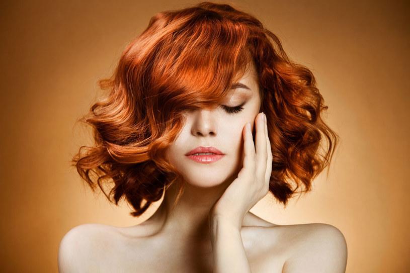 Odpowiednie zabiegi i pielęgnacja pozwola ci cieszyć się bujną fryzurą /©123RF/PICSEL