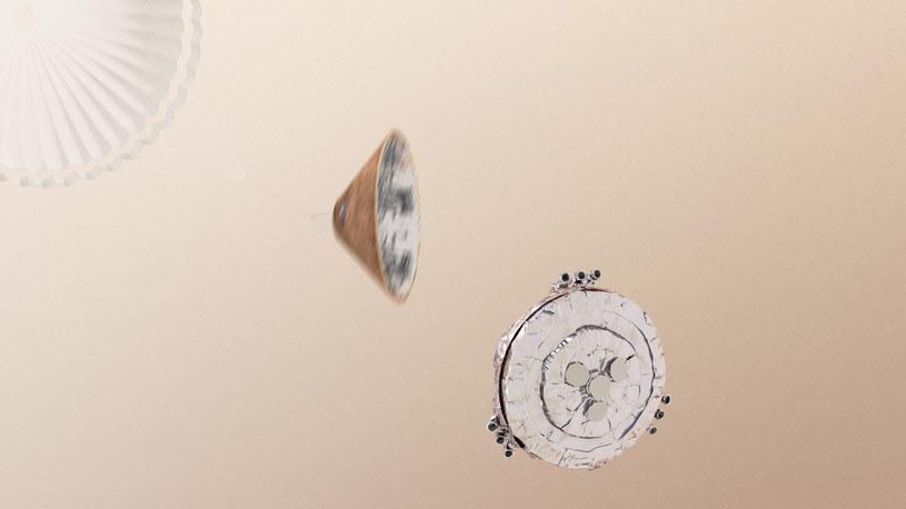 Odrzucenie spadochronu i górnej pokrywy miało nastąpić na wysokości około 1,2 kilometra /materiały prasowe