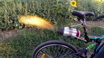 Odrzutowy rower z Rosji. Daje popalić