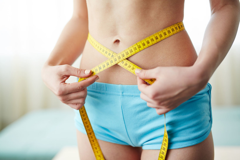 Odstaw wagę w kąt i zacznij się mierzyć! /©123RF/PICSEL