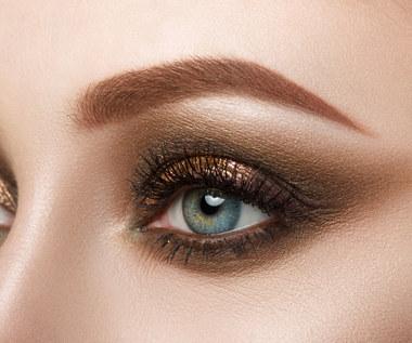 Odważne smoky eyes. Jak zrobić taki makijaż?