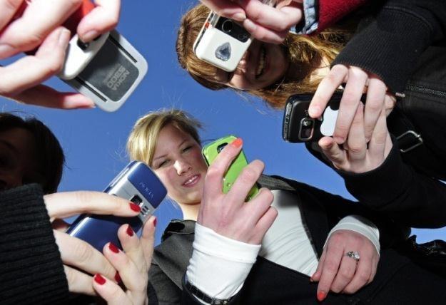 Oferta MTV Mobile ma być skierowana do młodych ludzi /AFP